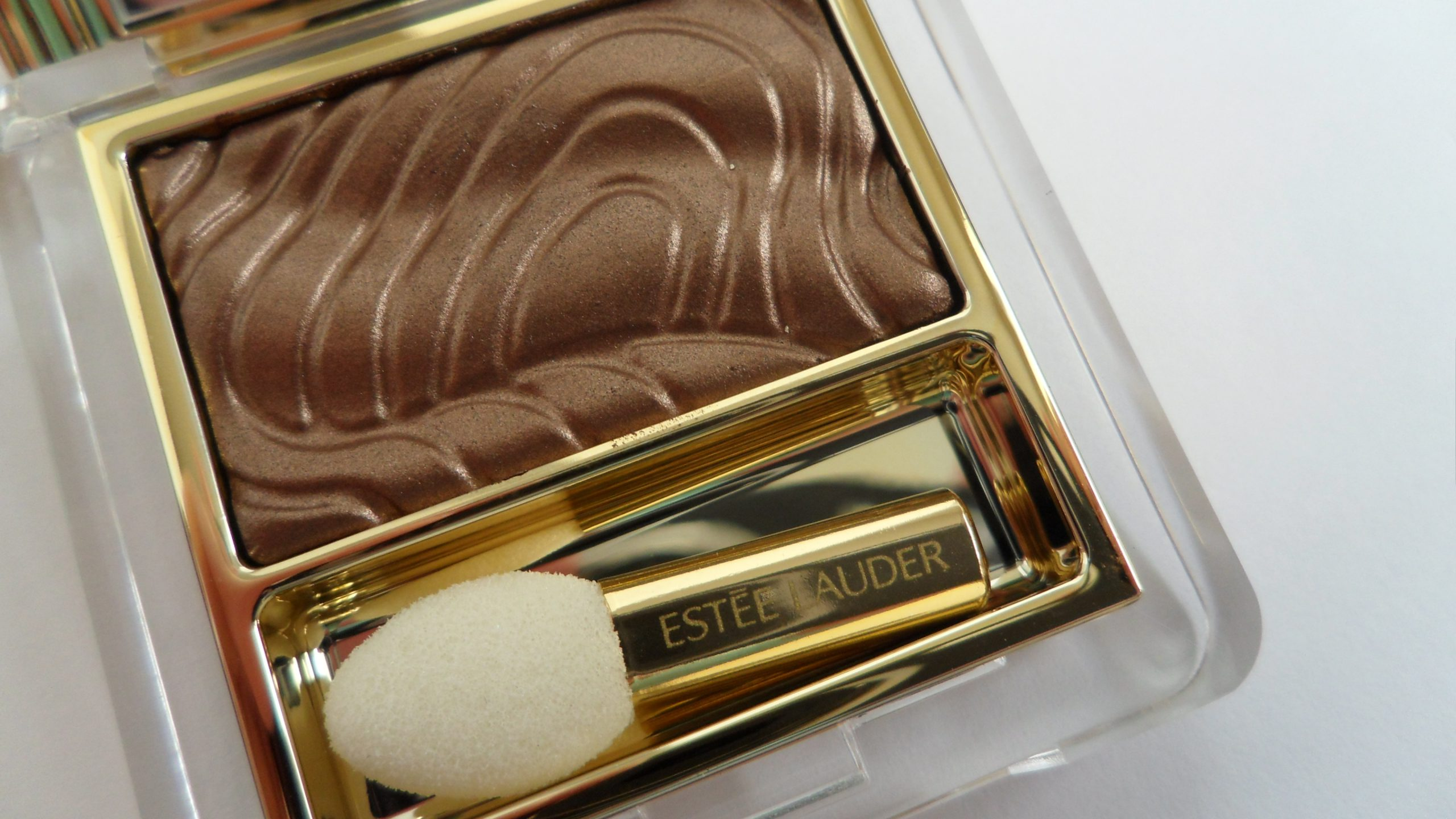 Machiaj metalic. Pure Color Gelée Powder EyeShadow de la Estee Lauder
